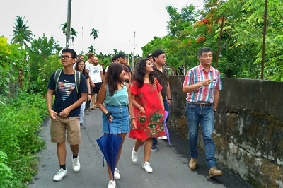 Dr. Lin led foreign students to visit Jiadong Township in Pingtung County.