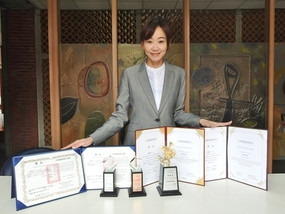 Pei-Chi Chen of Department of Business Management, NSYSU won four awards in the TSC Thesis Competition and Fubon Life Thesis Competition